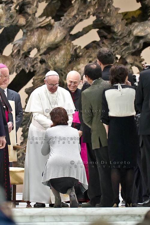 VATICANO 16/03/2012: Papa Francesco benedice una delegazione di giornalisti. Foto Adamo Di Loreto/buenaVista* photo