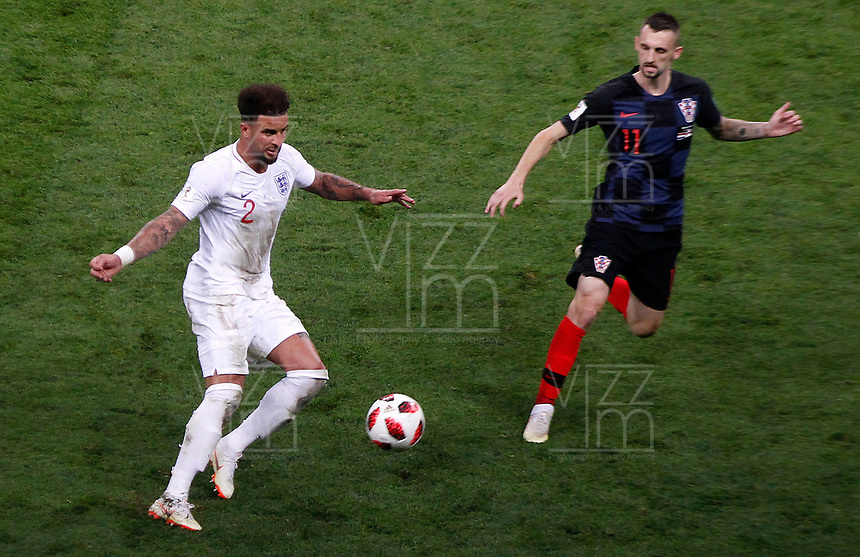 MOSCU - RUSIA, 11-07-2018: Marcelo BROZOVIC (Der) jugador de Croacia disputa el balón con xxx (Izq) jugador de Inglaterra durante partido de Semifinales por la Copa Mundial de la FIFA Rusia 2018 jugado en el estadio Luzhnikí en Moscú, Rusia. / Marcelo BROZOVIC (R) player of Croatia fights the ball with xxx (L) player of England during match of Semi-finals for the FIFA World Cup Russia 2018 played at Luzhniki Stadium in Moscow, Russia. Photo: VizzorImage / Julian Medina / Cont