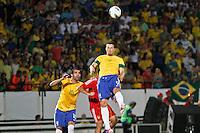 ATENÇÃO EDITOR: FOTO EMBARGADA PARA VEÍCULOS INTERNACIONAIS - RECIFE,PE,10 SETEMBRO 2012 - AMISTOSO SELEÇÃO BRASILEIRA - BRASIL X CHINA -Leandro Damião jogador do Brasil duarnte partida Brasil x China no Estádio José do Rego Maciel  (Arruda) em Recife na noite desta segunda feira (10).(FOTO ALE VIANNA - BRAZIL PHOTO PRESS).