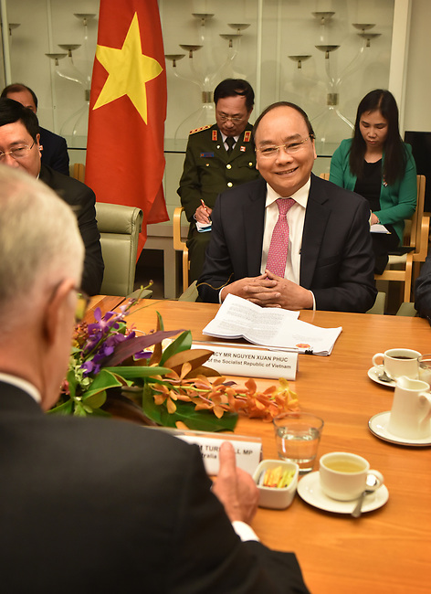 Prime Minister of the Socialist Republic of Vietnam Nguyen Xuan Phuc (R) meets with Australian Prime Minister Malcolm Turnbull (L) at Parliament House, Canberra, Thursday, March 15, 2018. Mr Nguyen Xuan Phuc is on a four-day official visit to Australia. AFP PHOTO/ MARK GRAHAM