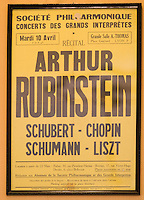 Europe/Pologne/Lodz: Le Palais d'Israël Poznanski qui contient le Musée d'Histoire de la Ville de Lodz - Affiche d'un concert d'Arthur Rubinstein