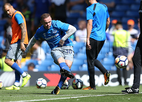 27th August 2017, Stamford Bridge, London, England; EPL Premier League football, Chelsea versus Everton; Wayne Rooney of Everton during shooting practise before kick off