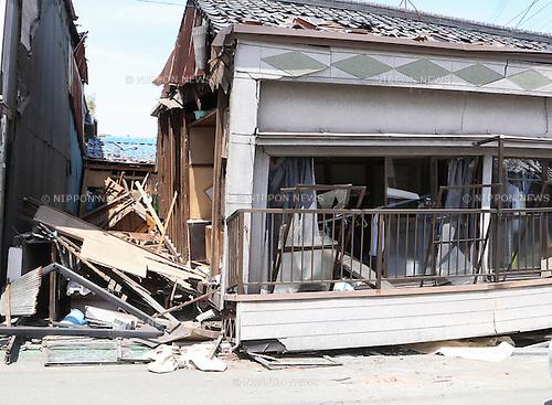 Kumamoto, Japan - April 15 : A house was broken by Kumamoto Earthquake last night at Mashiki-machi, Kumamoto, Japan. The photograph was taken on April 15th, 2016. (Photo by Chiaki Kodama/AFLO)