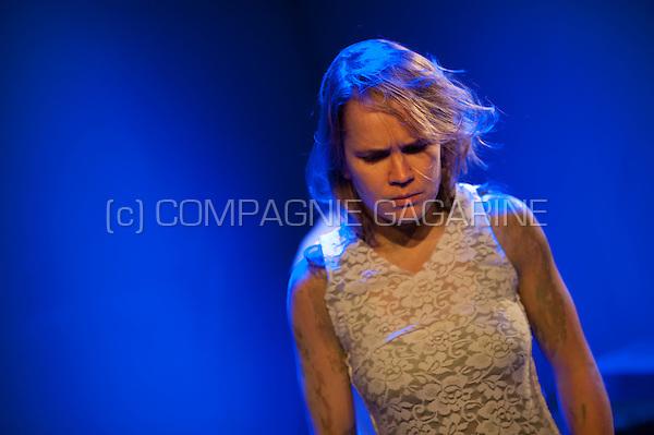 Theatre company de Reynaertghesellen playing Yerma Vraagt Een Toefeling from Dimitri Verhulst, directed by Marnick Bardyn (Belgium, 03/01/2016)