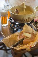 France, Nord (59),Côte d'Opale, Zuydcoote: Fondue Ch'ti' Moit au Maroilles et bière , recette de l' Estaminet: Joyeux Retour des Pêcheurs //  France, Nord, Opal Coast, Zuydcoote: Fondue Maroilles Recipe of the Estaminet: Joyeux Retour des Pêcheurs