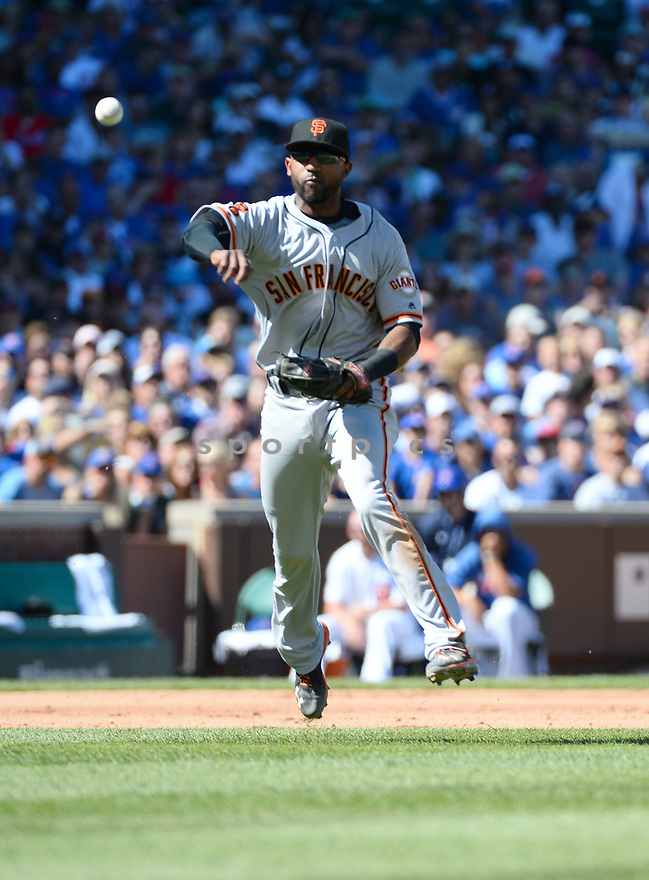 San Francisco Giants Eduardo Nunez (10) during a game against the Chicago Cubs on September 3, 2016 at Wrigley Field in Chicago, IL. The Giants beat the Cubs 3-2.