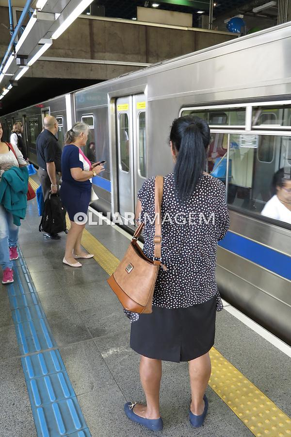 Estação do metro Sumare, São Paulo. Brasil. 2017. Foto de Juca Martins.