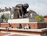 Newton statue by Eduardo Paolozzi British Library London