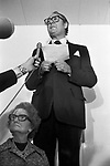 Freddie Laker launched Skytrain, the inaugural flight took place amongst much hype on 26th September 1977. This was a no frills low fare, budget daily service between London Gatwick and JFK in New York. Impromptu press conference with his mother.