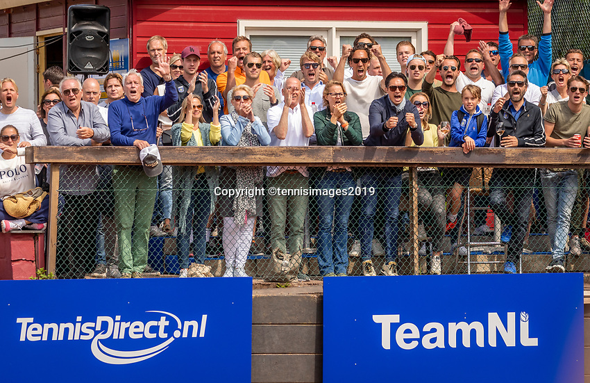 Zandvoort, Netherlands, 9 June, 2019, Tennis, Play-Offs Competition, Zandvoort supporters<br /> Photo: Henk Koster/tennisimages.com