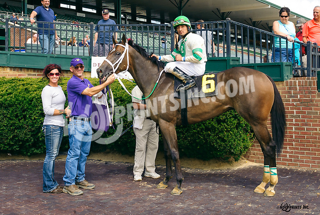 Church Monkey winning at Delaware Park on 9/3/16