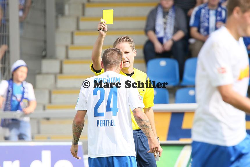 Gelb für Timo Perthel (Bochum) - FSV Frankfurt vs. VfL Bochum, Frankfurter Volksbank Stadion