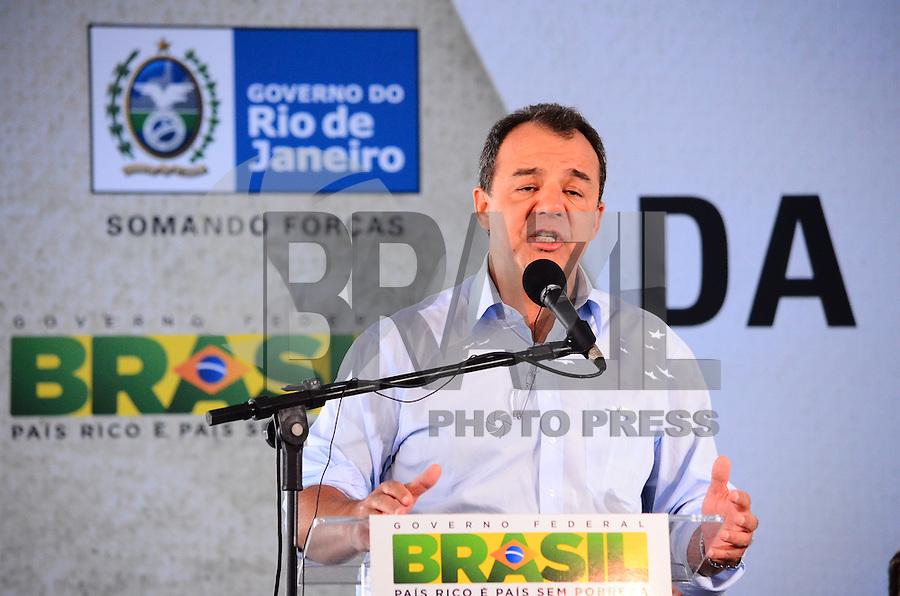 RIO DE JANEIRO, RJ, 14 DE JUNHO DE 2013 -PRESIDENTA DILMA NA ROCINHA-RJ- O Governador Sérgio Cabral na cerimônia de anúncio de investimentos em infraestrutura urbana e equipamentos sociais nas comunidades da Rocinha e nos complexos do Lins e do Jacarezinho, no Complexo Esportivo da Rocinha , zona sul do Rio de Janeiro/RJ do Rio de Janeiro.FOTO:MARCELO FONSECA/BRAZIL PHOTO PRESS
