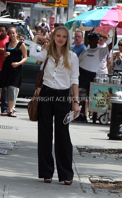 WWW.ACEPIXS.COM . . . . .  ....August 21 2009, New York city....Actress Amanda Seyfried on the Soho set of the new movie 'Letters to Juliet' on August 21 2009 in New York City....Please byline: AJ Sokalner - ACEPIXS.COM.... *** ***..Ace Pictures, Inc:  ..(212) 243-8787 or (646) 769 0430..e-mail: picturedesk@acepixs.com..web: http://www.acepixs.com