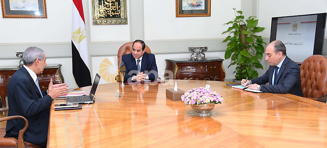 Egyptian president Abdel Fattah al-Sisi meets with the minister of Industry and Trade, Tariq Qabil, in Cairo, Egypt on Nov. 22, 2015. Photo by Egyptian President Office