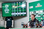 10.02.2019, Weserstadion, Bremen, GER, 1.FBL, Werder Bremen vs FC Augsburg<br /> <br /> DFL REGULATIONS PROHIBIT ANY USE OF PHOTOGRAPHS AS IMAGE SEQUENCES AND/OR QUASI-VIDEO.<br /> <br /> im Bild / picture shows<br /> Florian Kohfeldt (Trainer SV Werder Bremen) bei PK / Pressekonferenz nach dem Spiel, <br /> <br /> Foto © nordphoto / Ewert