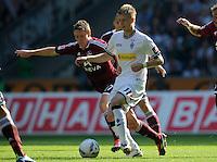 FUSSBALL   1. BUNDESLIGA   SAISON 2011/2012    7. SPIELTAG Borussia Moenchengladbach - 1. FC Nuernberg         24.09.2011 Markus MENDLER (li, Nuernberg) gegen Marco REUS (re, Moenchengladbach)