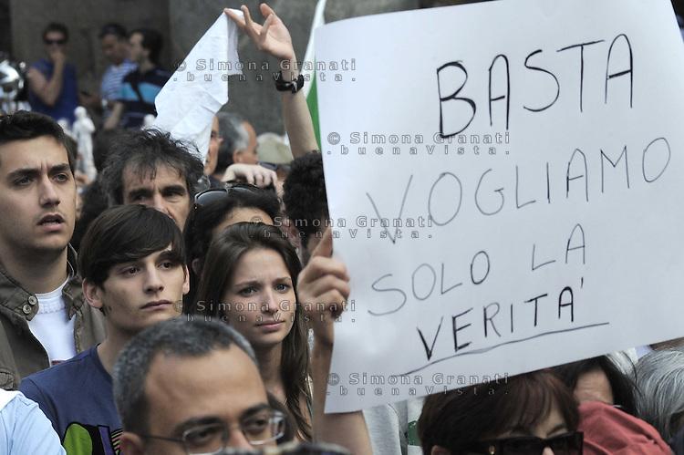 Roma, 19 Maggio 2012.Piazza del Pantheon.Sit in contro le mafie in ricordo di Melissa la studentessa uccisa stamattina nell'attentato davanti la scuola Morvillo Falcoone di Brindisi