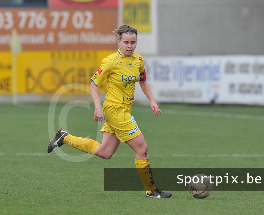 Waasland Beveren Sinaai Girls - Famkes Merkem : .Kwartfinale beker van België 2011-2012 : Stefanie Van Broeck.foto DAVID CATRY / JOKE VUYLSTEKE / Vrouwenteam.be
