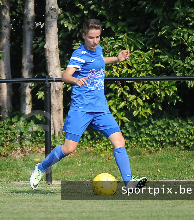 20160827 - ZWEVEZELE , BELGIUM : Genk's Esther Knevels pictured during the soccer match  in the 2nd round of the  Belgian cup 2017 , a soccer women game between SK Voorwaarts Zwevezele and RC Genk Ladies  , in Zwevezele , saturday 27 th August 2016 . PHOTO SPORTPIX.BE / DIRK VUYLSTEKE