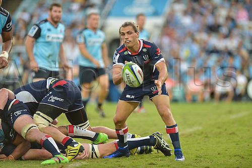 03.04.2016.  Allianz Stadium, Sydney, Australia. Super Rugby. NSW Waratahs versus Melbourne Rebels. Rebels Benn Meehan passes. The Rebels won 21-17.