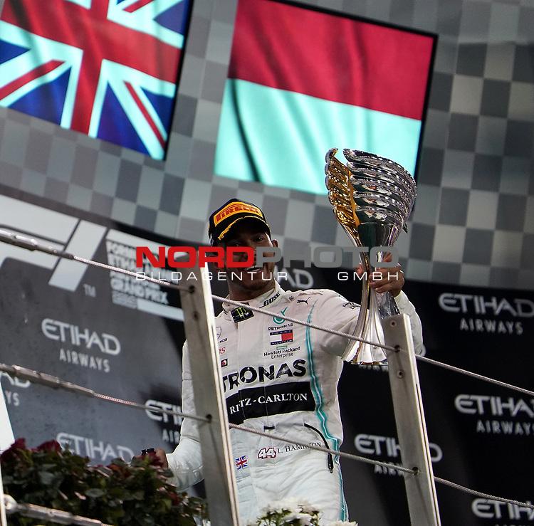 01.12.2019, Yas Marina Circuit, Abu Dhabi, FORMULA 1 ETIHAD AIRWAYS ABU DHABI GRAND PRIX 2019<br />, im Bild<br />Podium:<br />Sieger Lewis Hamilton (GB#44), Mercedes-AMG Petronas Motorsport<br /> <br /> Foto © nordphoto / Bratic