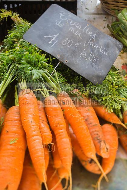 France, Calvados (14), Côte Fleurie, Houlgate: Carottes sur un étal du marché  //  France, Calvados, Côte Fleurie, Houlgate:   the market , Carrots