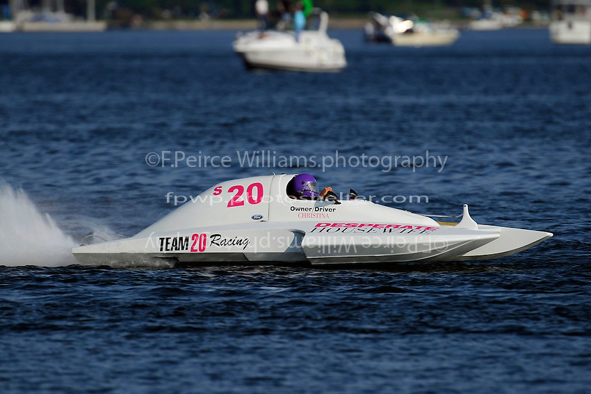 "Christina Wilson, S-20 ""Christina Wilson, S-20 ""Desperate Housewife"" (2.5 Litre Stock hydroplane(s)"