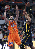 Valencia Basket Club's Bojan Dubljevic (l) and Herbalife Gran Canaria's Eulis Baez during Spanish Basketball King's Cup semifinal match.February 07,2013. (ALTERPHOTOS/Acero) /NortePhoto