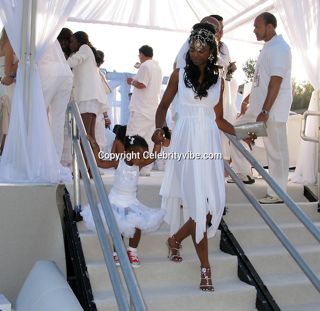 **EXCLUSIVE**.Kim Porter..Sean P. Diddy Combs 4th of July White Party..Private Residence..Beverly Hills, CA, USA..Saturday, July 04, 2009..Photo By Celebrityvibe.com.To license this image please call (212) 410 5354; or Email: celebrityvibe@gmail.com ; .website: www.celebrityvibe.com.