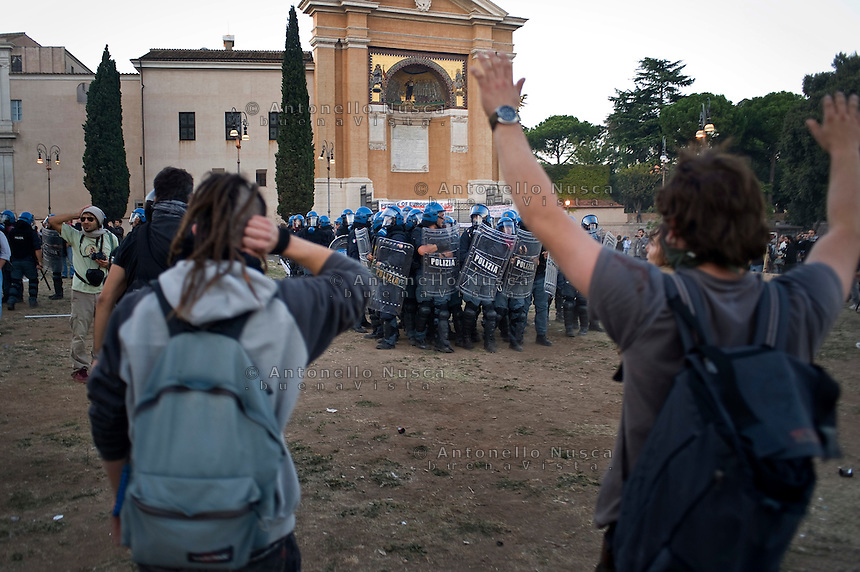 Un momento degli scontri tra manifestanti e polizia in Piazza San Giovanni.<br /> Riots in Saint John square during the &quot;Occupy wall street&quot; demonstration in Rome