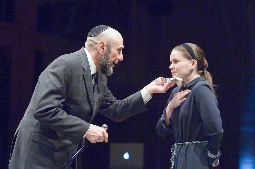 The Mechant of Venice by William Shakespeare , A Theatre For A New Audience Production directed by Darko Tresnjak. With F Murray Abraham as Shylock, Nicole Lowrance as Jessica. Opens at the Swan Thratre at Statford Upon Avon on 27/3/07.   CREDIT Geraint Lewis