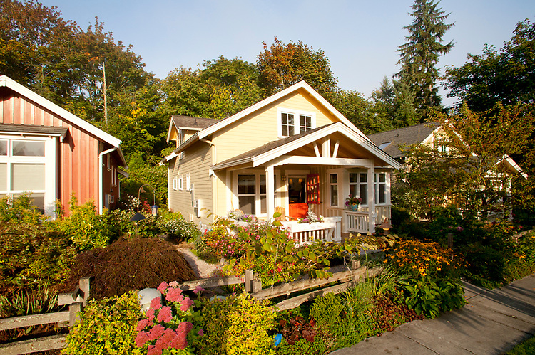 Cottage architecture connover commons redmond for Architect washington state