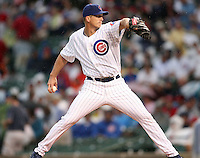 August 18, 2007 :Bobbie Howry on the mound for the Chicago Cubs on a rainy day at Wrigley Field in Chicago, IL.  Photo by:  Chris Proctor/Four Seam Images