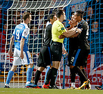 Bruno Alves sorting things out
