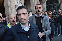 Parma:  Federico Pizzarotti (in basso a destra) del movimento 5 stelle eletto sindaco di Parma dopo il ballottaggio con il candidato del PD Vincenzo Bernazzoli