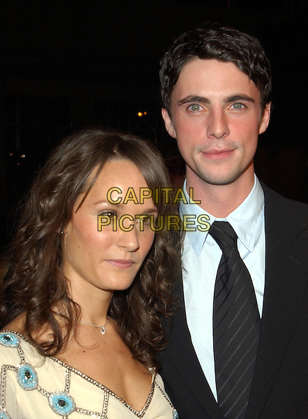 MATTHEW GOODE & GIRLFRIEND.Chasing Liberty Los Angeles Premiere held at The Grauman's Chinese Theater .7 January 2004.**UK Sales Only**.www.capitalpictures.com.sales@capitalpictures.com.©Capital Pictures.