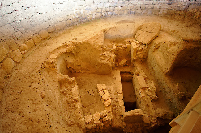 Mycenaean tholos tomb [ 1300 B.C ]. at the outskirts of the village Tzanata, near Poros in south-eastern Kefalonia, Ionian Islands, Greece.