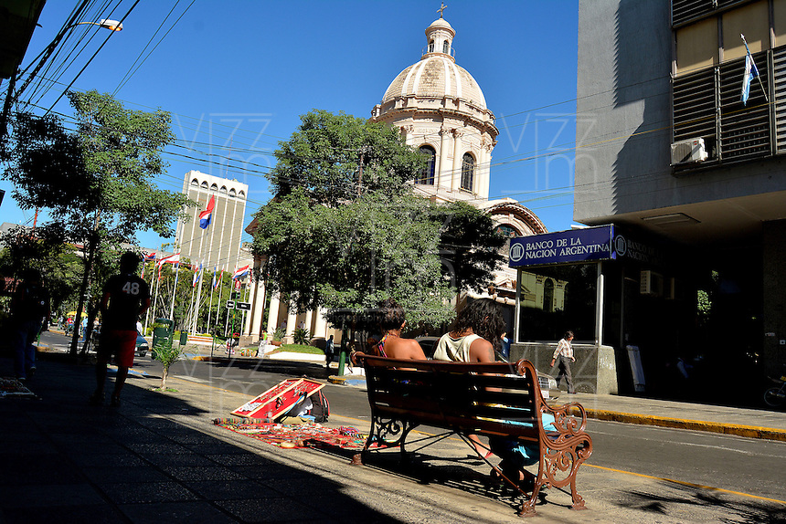 ASUNCION - PARAGUAY: Calle de Asuncion,  Paraguay. Street of Asuncion, Paraguay. (Photo:  VizzorImage / Cont.)........