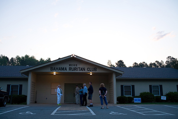 May 6, 2008. Bahama, NC.. With the close North Carolina primary battle between Senators Hillary Clinton and Barack Obama, voters hit the polls to try and bring closure to this highly contested state and divide the delegates between the 2 candidates.. Voters lined up early in rural NC to get their ballots in before heading to work.