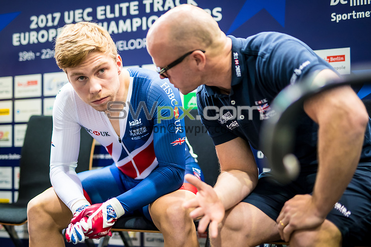 Picture by Alex Whitehead/SWpix.com - 20/10/2017 - Cycling - UEC Track Elite European Championships, Day 3 - Velodrom Berlin, Berlin, Germany - Great Britain's Philip Hindes and coach Jan van Eijden chat before he competes in the Men's Sprint qualifying.