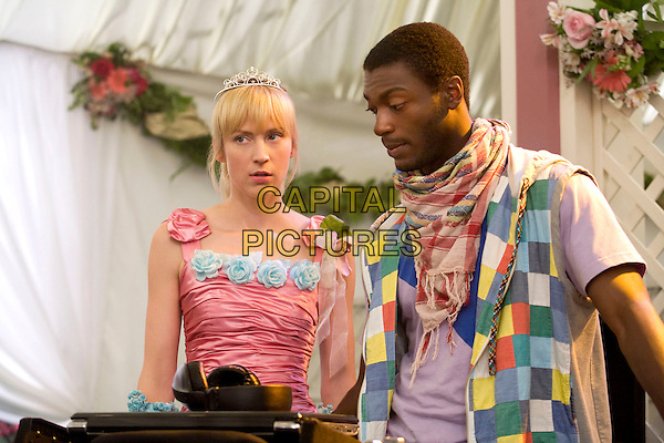 BETH RIESGRAF & ALDIS HODGE.in Levrage.(Season 1, Episode 7: The Wedding Job).*Filmstill - Editorial Use Only*.CAP/FB.Supplied by Capital Pictures.