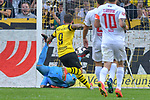 06.10.2018, Signal Iduna Park, Dortmund, GER, DFL, BL, Borussia Dortmund vs FC Augsburg, DFL regulations prohibit any use of photographs as image sequences and/or quasi-video<br /> <br /> im Bild Paco Alcacer (#9, Borussia Dortmund) macht das Tor zum 1:1<br /> <br /> Foto &copy; nph/Horst Mauelshagen