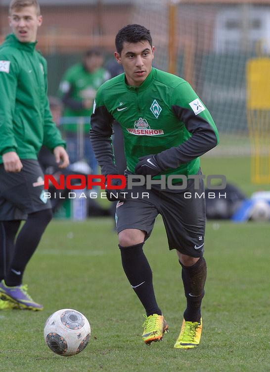 10.02.2014, Trainingsgelaende, Bremen, GER, 1.FBL, Training Werder Bremen, im Bild &Ouml;zkan / Oezkan Yildirim (Bremen #32)<br /> <br /> Foto &copy; nordphoto / Frisch