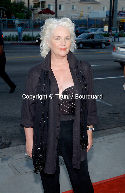 "Cast member Fionnula Flanagan arrives for ""The Others"" premiere held at the DGA Theatre in Hollywood, CA., August 7, 2001.  (photo by © Tsuni)          -            FlanaganFionnula10.jpg"