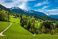 Deutschland, Bayern, Berchtesgadener Land, bei Oberau (Berchtesgaden): Blick in die Berchtesgadener Alpen mit Goellmassiv (links) und Watzmann (rechts)   Germany, Upper Bavaria, Berchtesgadener Land; near Oberau (Berchtesgaden): view towards Berchtesgaden Alps with Goell mountains (left) and Watzmann (right)