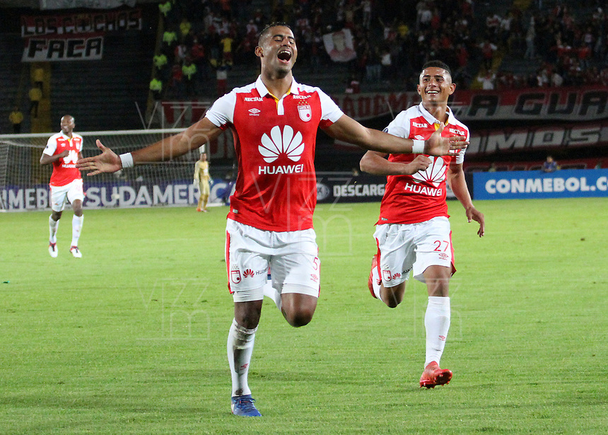 BOGOTÁ -COLOMBIA, 31-07-2018:Carlos Henao de Independiente Santa Fe  de Colombia celebra su gol contra el  Rampla Juniors de Uruguay durante partido por los dieciseisavos de La Copa Conmebol Sudamericana 2018,jugado en el estadio Nemesio Camacho El Campín de la ciudad de Bogotá./Carlos Henao  player of Independiente Santa Fe of Colombia ceebrates his goal agaisnt of Rampla Juniors of Uruguay  during match  by the Conmebol Sudamericana Cup 2018 , played in Nemesio Camacho El Campín stadium of the Bogota  city. Photo: VizzorImage/ Felipe Caicedo / Staff