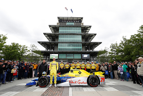12-14 May, 2016, Indianapolis, Indiana USA<br /> Driver Townsend Bell and team owner Michael Andretti unveil the Robert Graham - California Pizza Kitchen Indy 500 entry for Andretti Autosports<br /> ©2016, Michael L. Levitt<br /> LAT Photo USA