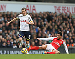 Tottenham's Harry Kane tussles with Arsenal's Francis Coquelin <br /> <br /> Barclays Premier League- Tottenham Hotspurs vs Arsenal  - White Hart Lane - England - 7th February 2015 - Picture David Klein/Sportimage
