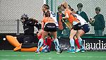 HUIZEN  -  redding Robin van den Ende (HUI)   , hoofdklasse competitiewedstrijd hockey dames, Huizen-Groningen (1-1)   COPYRIGHT  KOEN SUYK